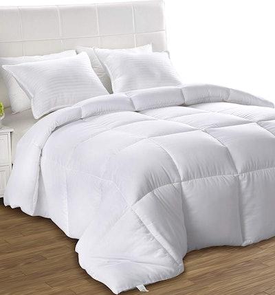 Utopia Bedding Lightweight Comforter