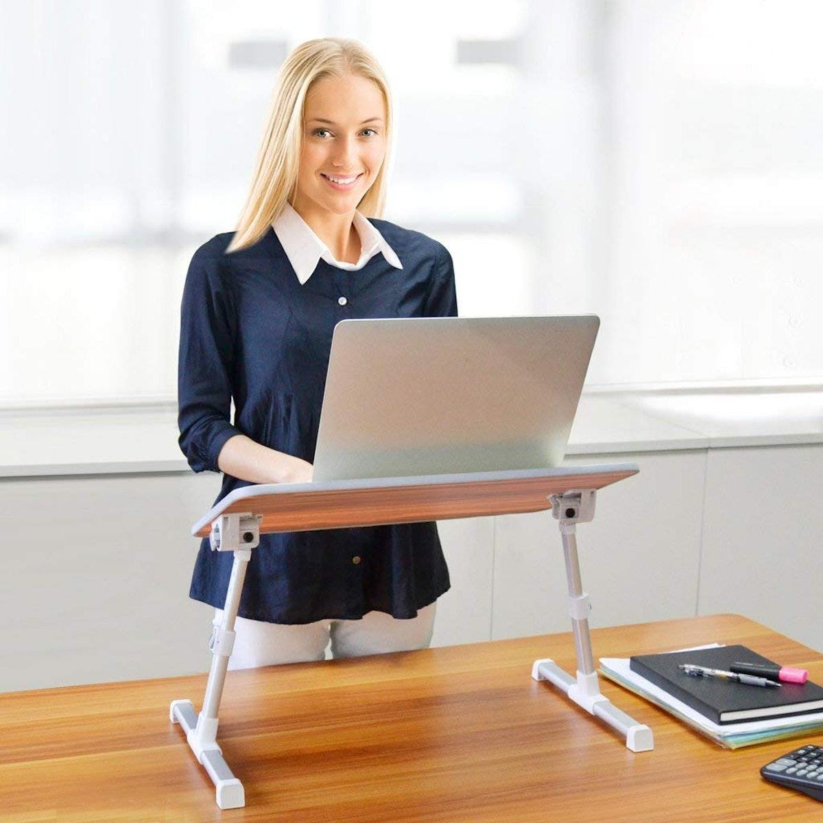 Neeto Adjustable Laptop Stand