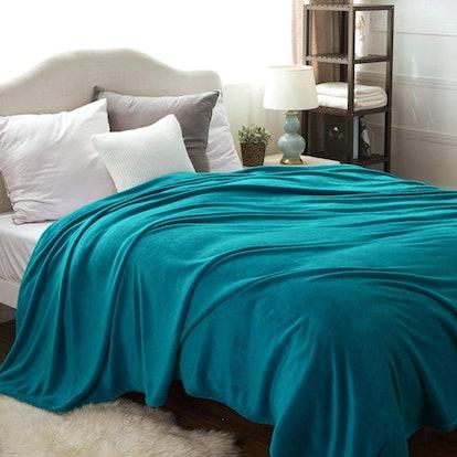 Bedsure Flannel Fleece Blanket