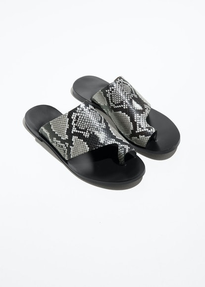 Curved Toe Strap Sandals