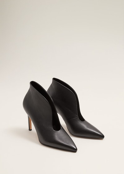 Slit leather ankle boot