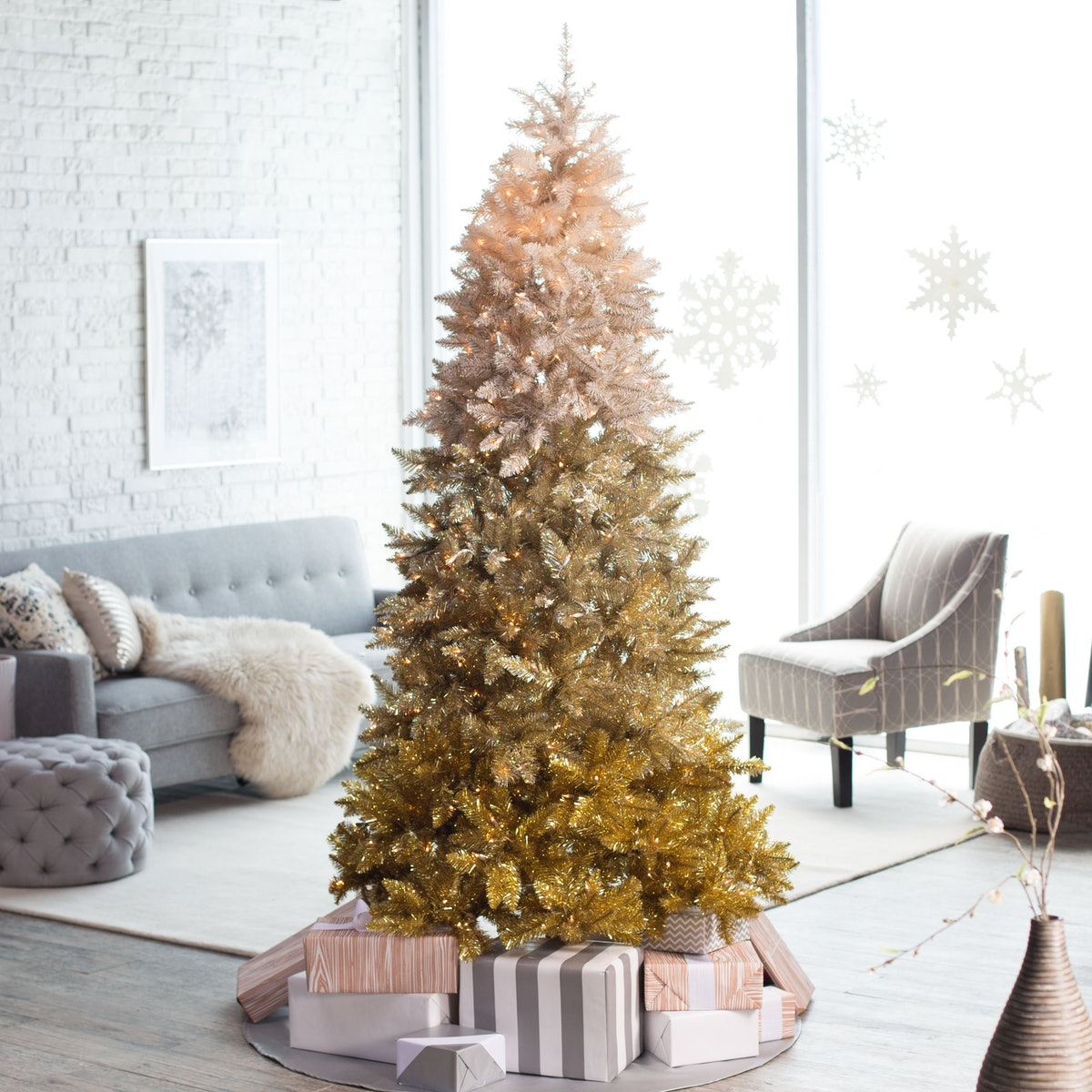 Pre-Lit Vintage Gold Ombre Spruce Christmas Tree