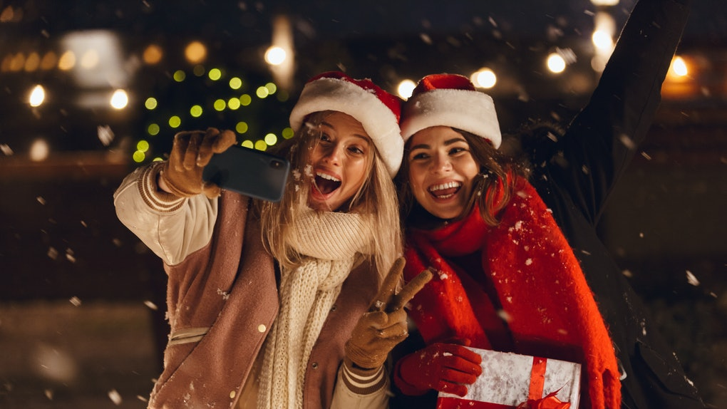 Christmas Captions.33 Cute Christmas Captions For 2018 For Your Snowdorable Selfies