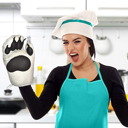 Fred Polar Bear Hands Oven Mitts