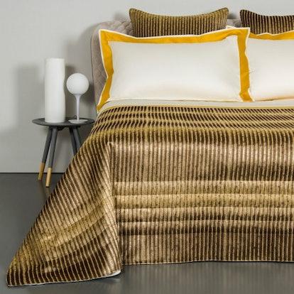 Kapok Light Quilt, Brown/Sandstone, King