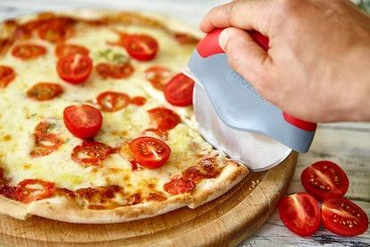Mozzbi Pizza Cutter