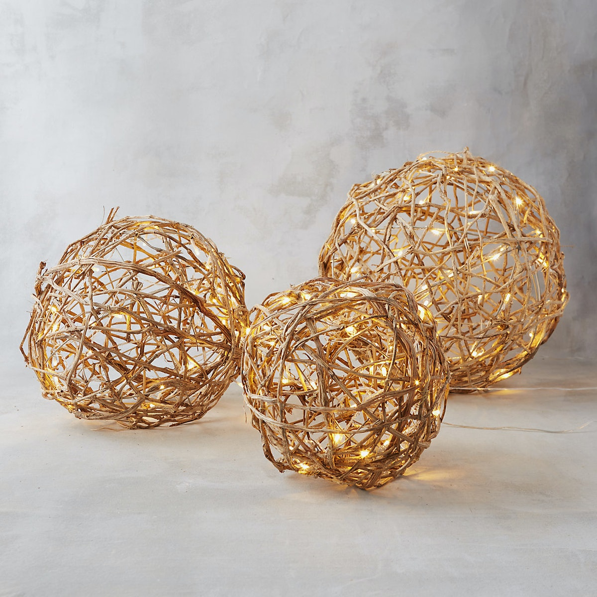 Illuminated Vine Sphere