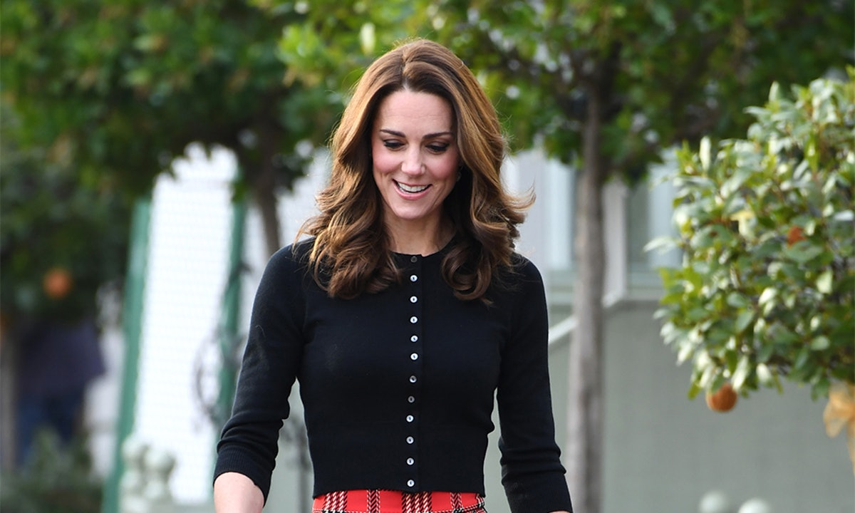 Kate Middleton's Plaid Skirt & Black Cardigan Is The Ultimate Holiday Party Outfit