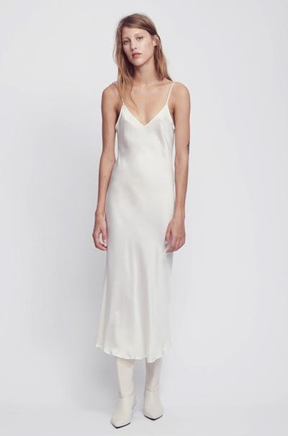 17 Cheap Wedding Dresses Online You Don T Have To Make A Single Appointment To Buy,Can You Add A Train To A Wedding Dress