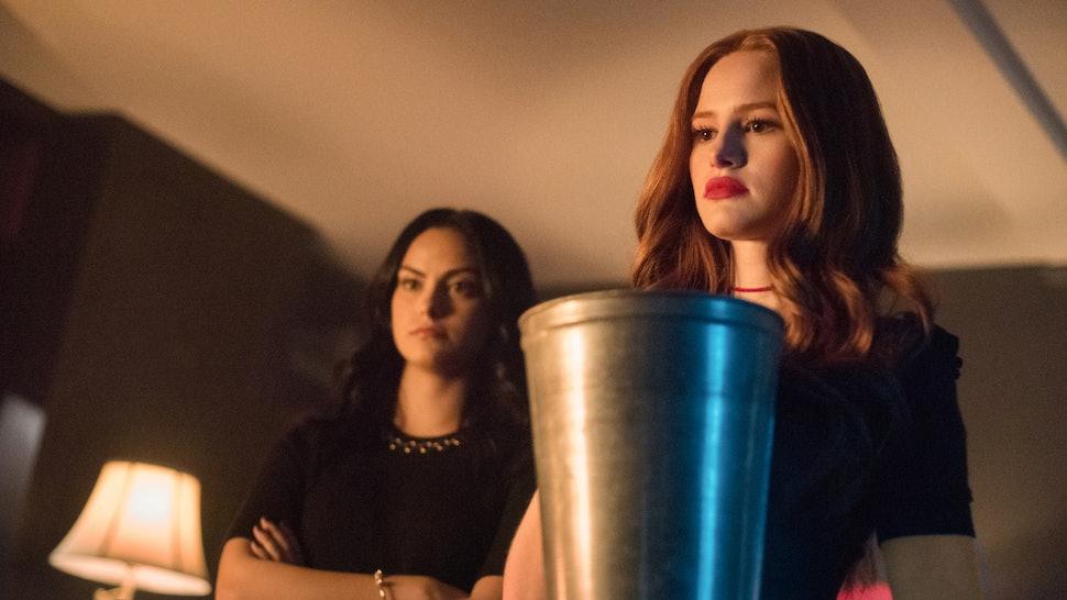 Riverdale Cast & Showrunner on Killer Reveal and Bughead