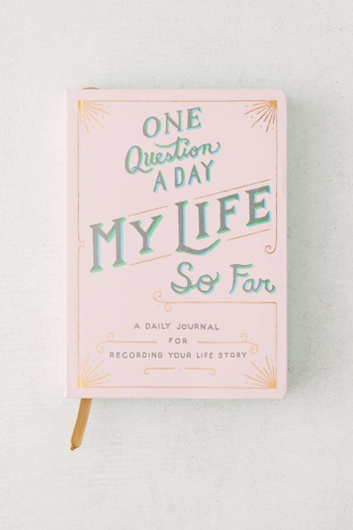One Question a Day: My Life So Far: A Daily Journal for Recording Your Life Story By Aimee Chase