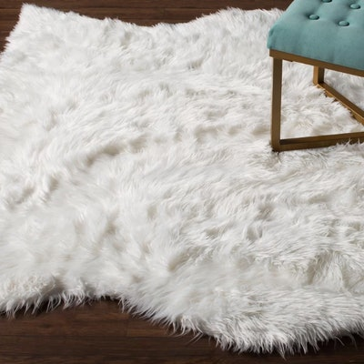 Bilton Hide Shaped Hand-Tufted Ivory Area Rug