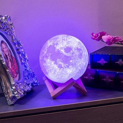 Mind-Glowing 3-D Moon Lamp