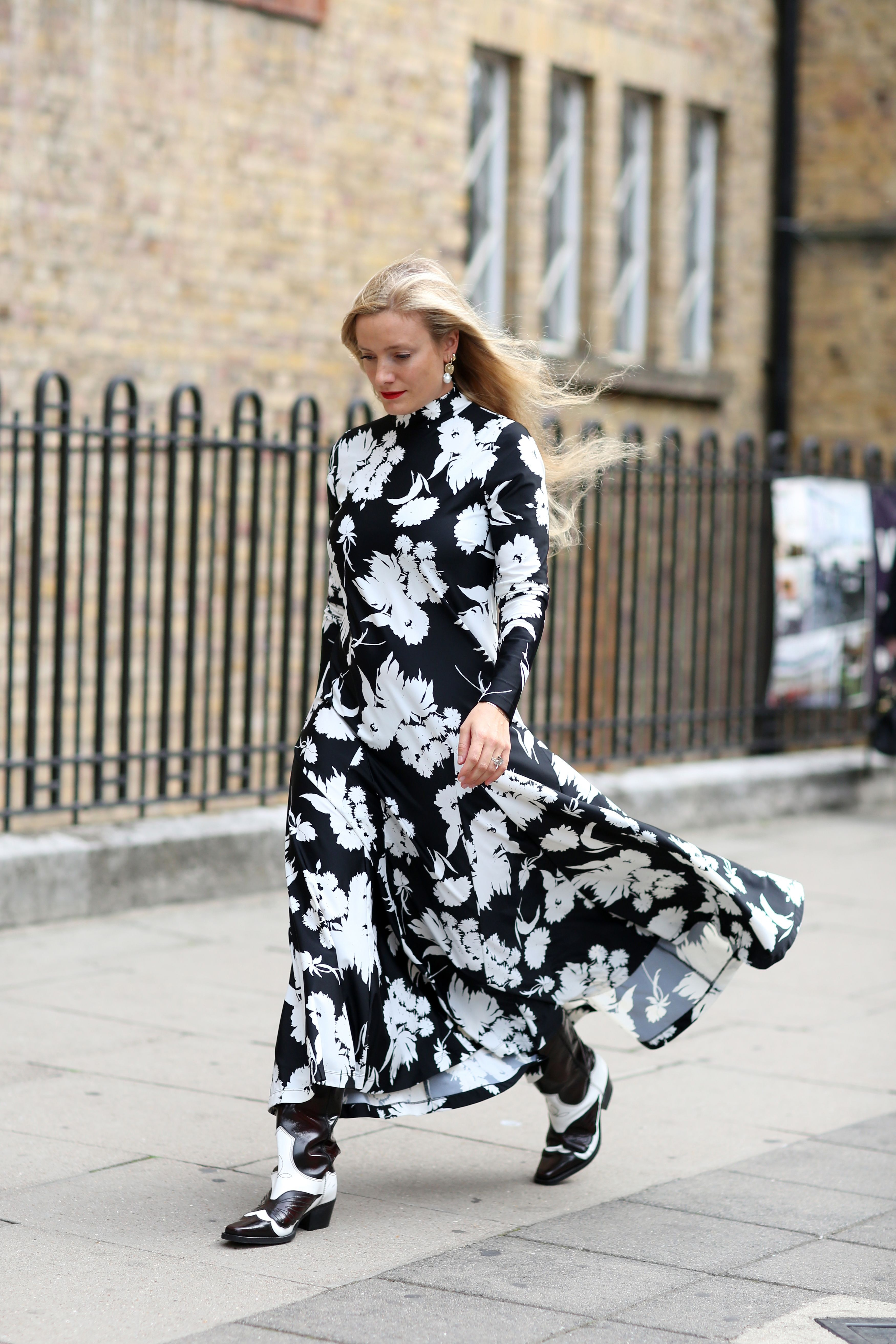 How To Wear Boots With Dresses, Even When It\u0027s Truly Frigid
