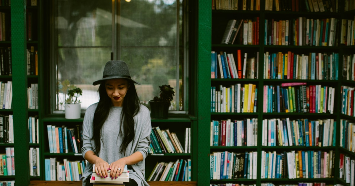 This Is How Reading Changes Your Brain & It's Even More Wild Than You'd Think