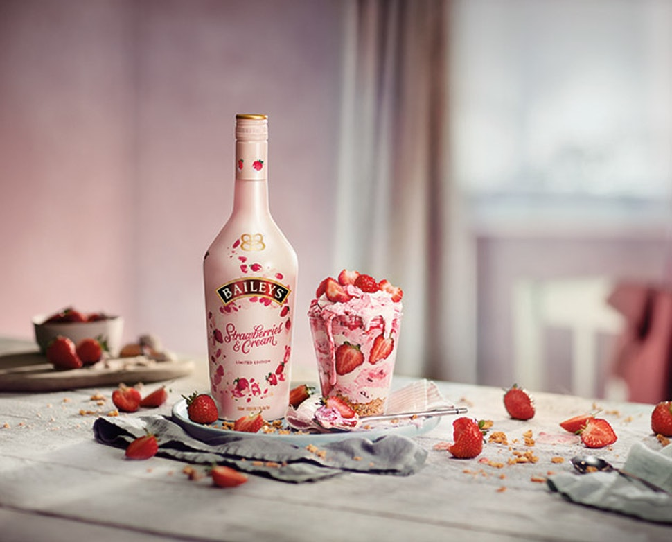 Strawberries Amp Cream Baileys Is A Millennial Pink Daydream