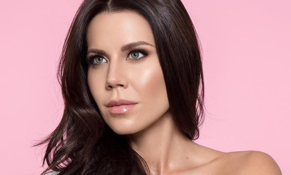 Who Is Tati Westbrook Meet The Youtube Vlogger Who Just Launched