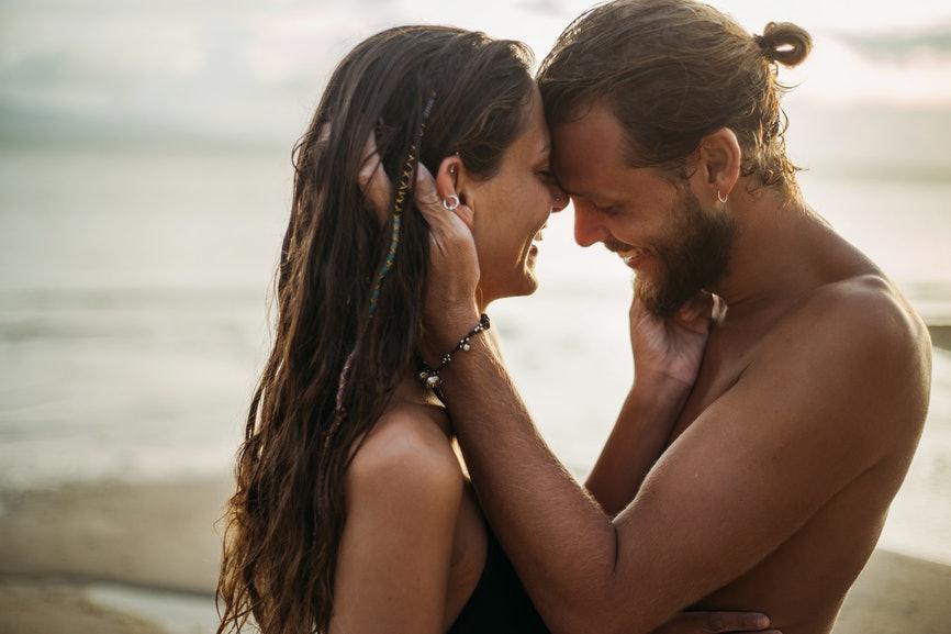 Hot romantic video date hookup-5121