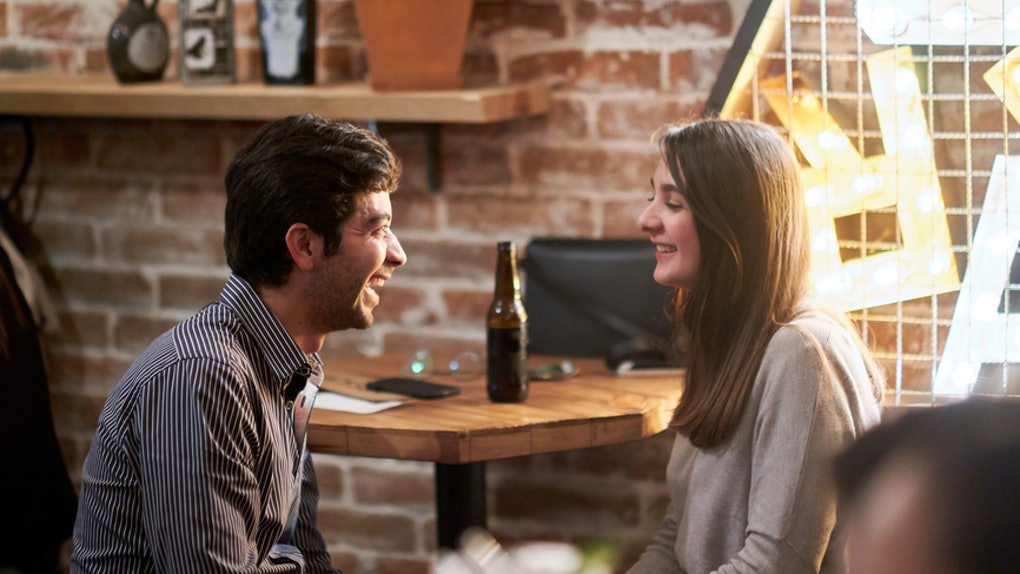 6 Awkward First Date Scenarios & Exactly How To Handle Each One Like A Boss