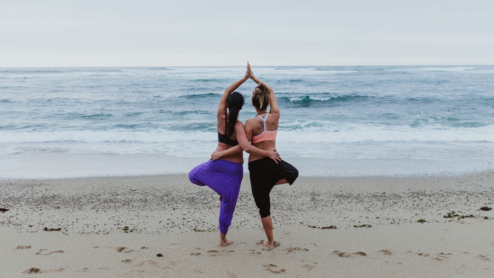 5 Partner Yoga Poses That Are Actually Way Easier Than They Look