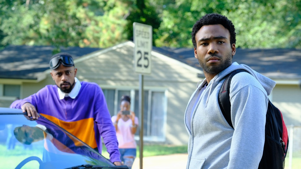 What Does The 'Atlanta' Opening Drive-Through Scene Mean? 'Robbin