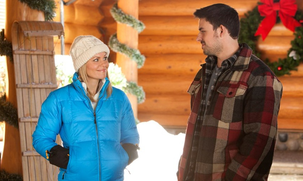 when do hallmarks 2018 christmas movies start the 34 films cant come soon enough - When Do Hallmark Christmas Movies Start