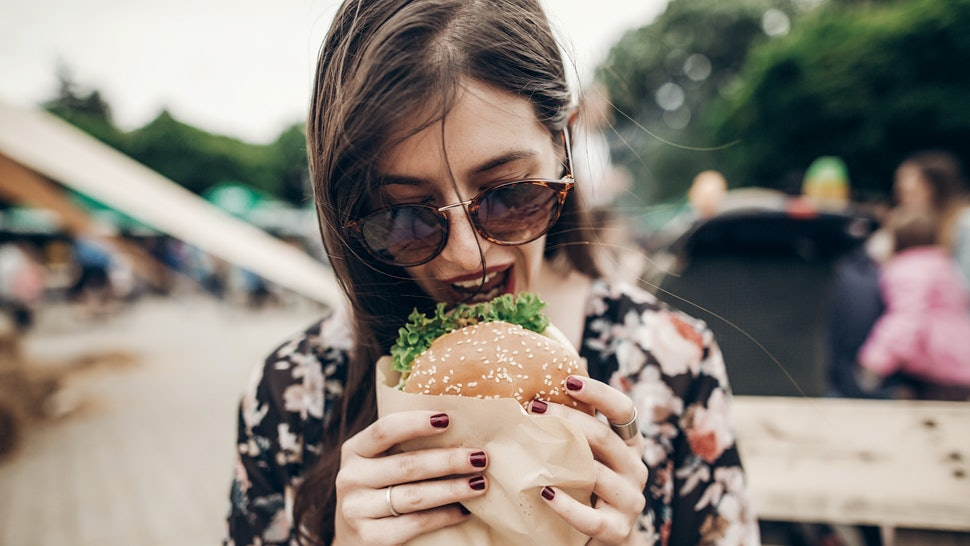 7 Eating Habits You Didn't Realize Dramatically Affect Your