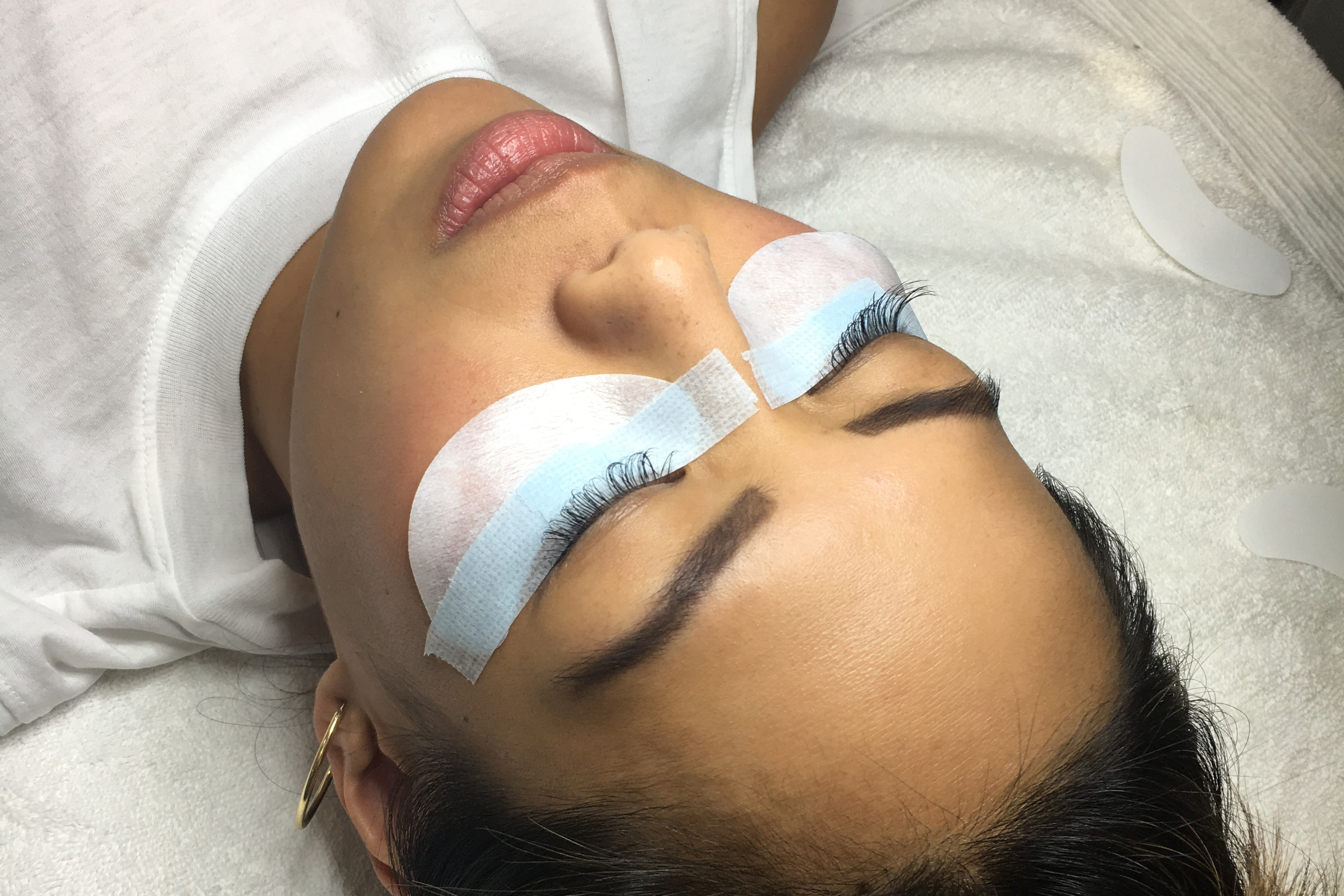 Why These Asian Women Will Never Stop Getting Eyelash Extensions
