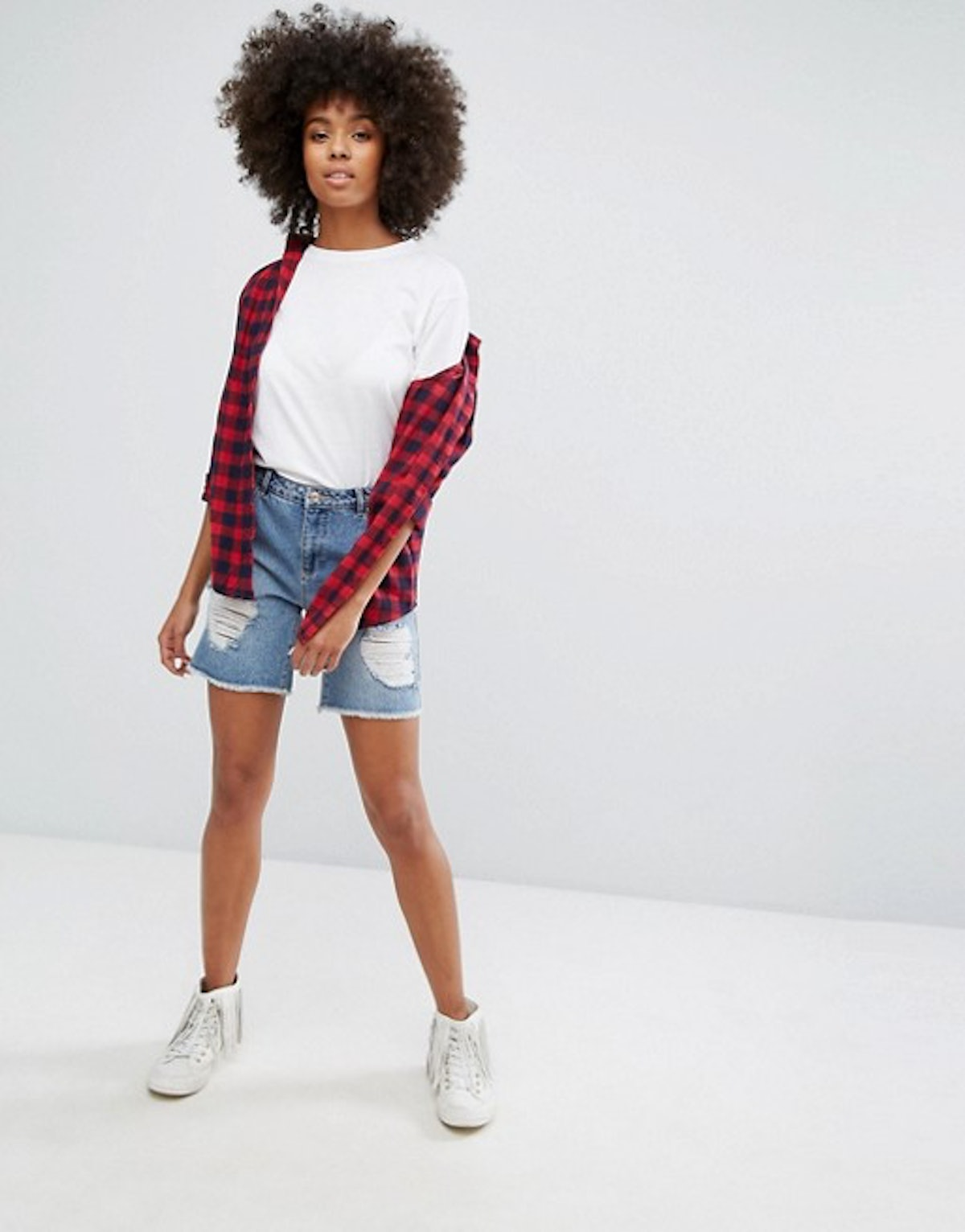 Only Low Boyfriend Short With Rips