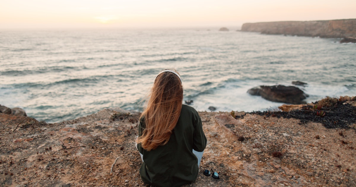 What It Feels Like To Fall Out Of Love, According To 8