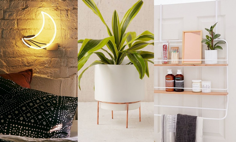 urban outfitters 39 home sale includes 40 off furniture. Black Bedroom Furniture Sets. Home Design Ideas