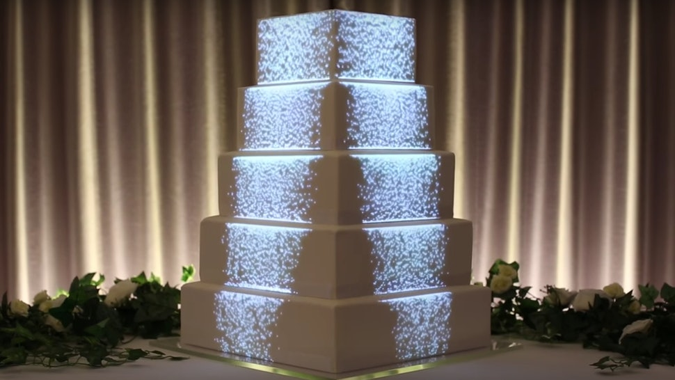 Image-Mapping On Wedding Cakes Is The New Trend That