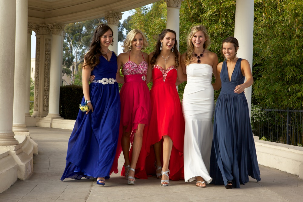 24 prom instagram captions for dancing the night away with your high school bffs