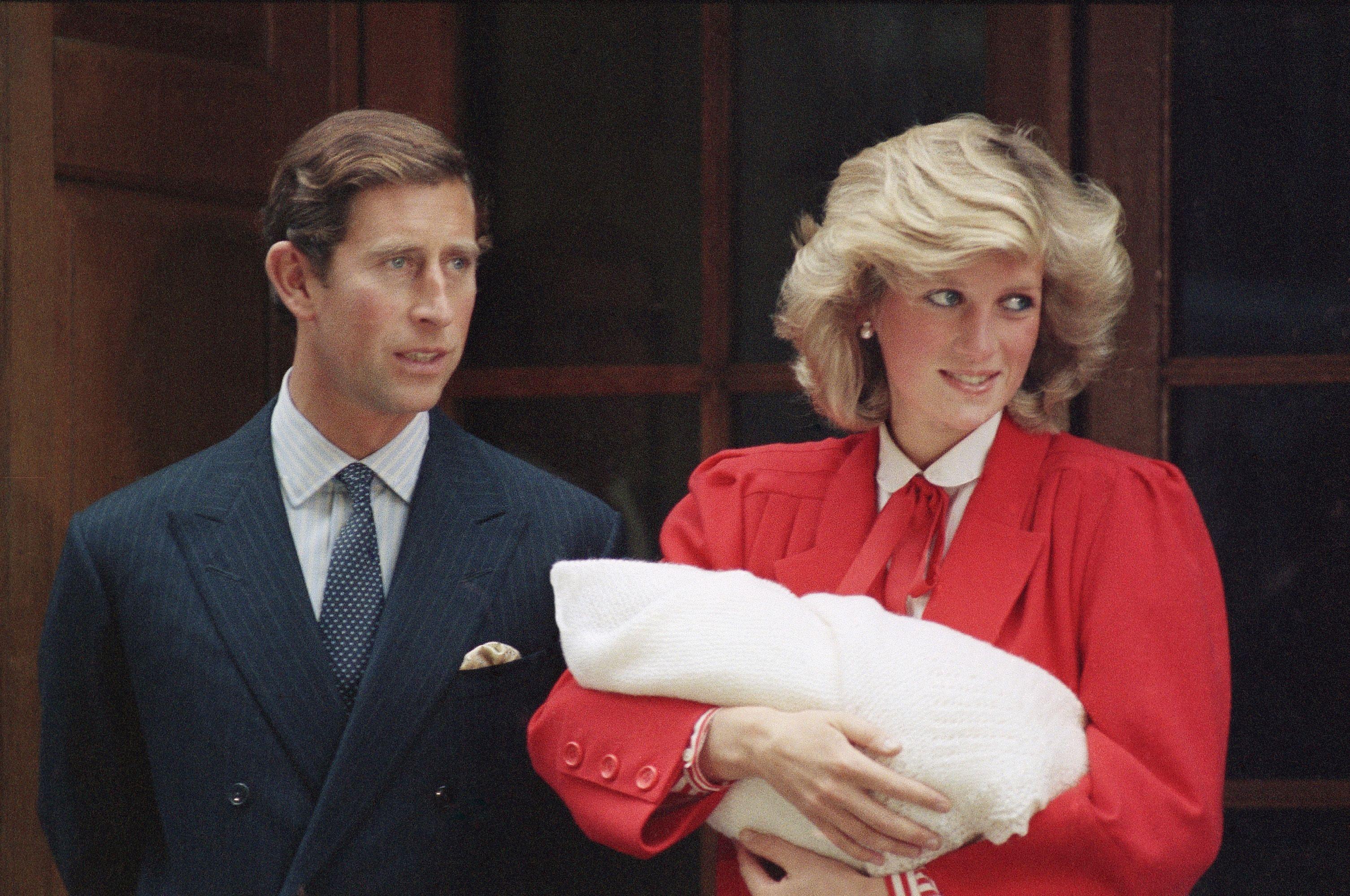 Kate Middleton & Princess Diana Both Wearing Red Dresses When ...