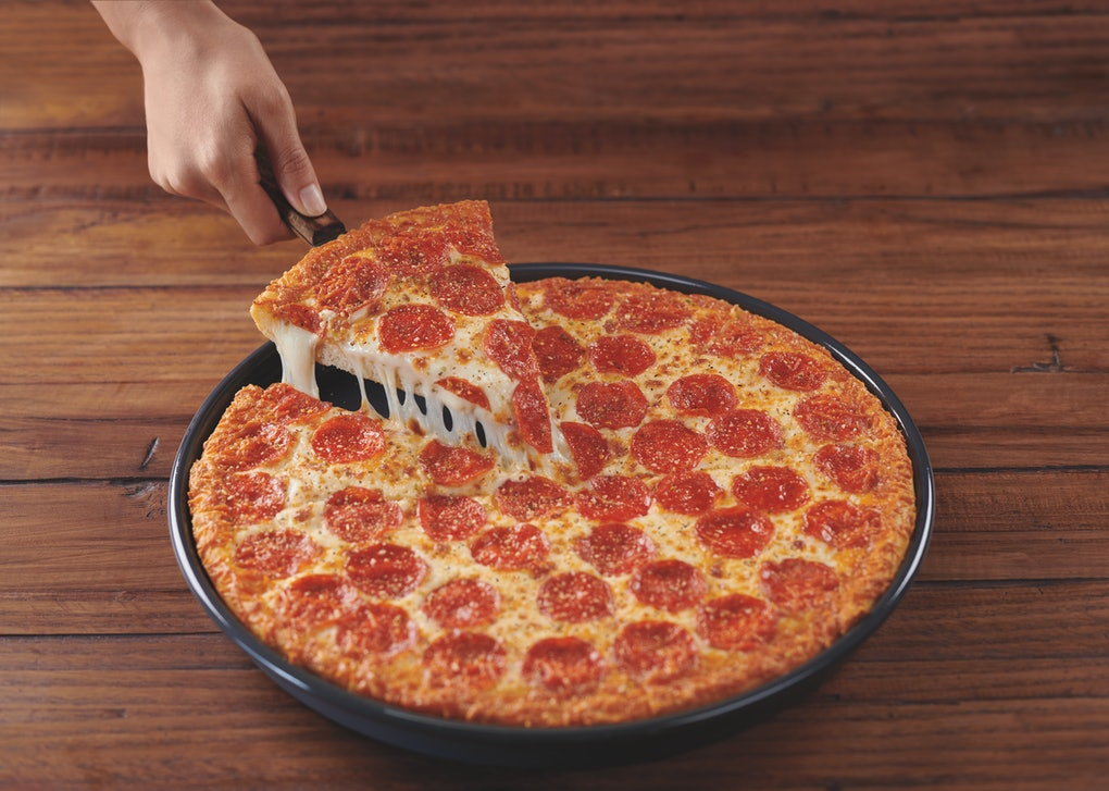 Pizza Hut S Double Cheesy Crust Pan Pizza Is Here It S A Cheese