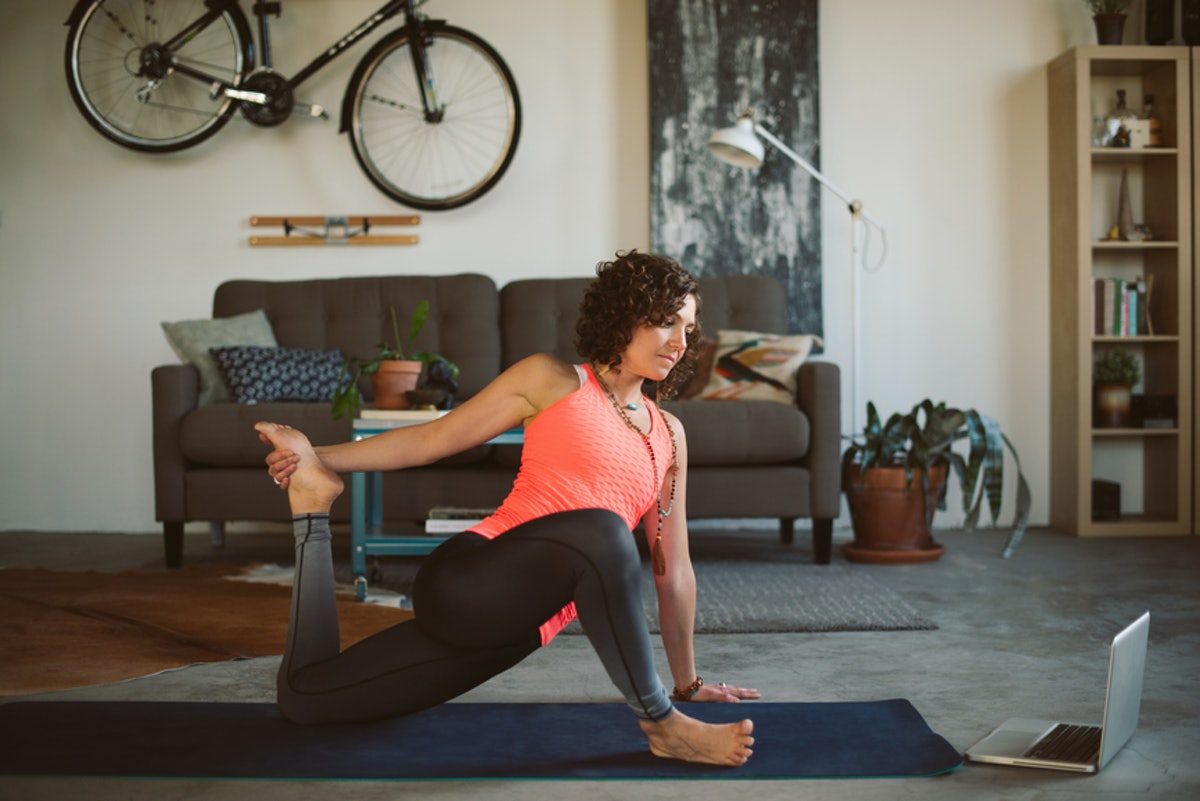 The Best Workout To Do While Watching TV May Look Easy, But It Burns, Girl