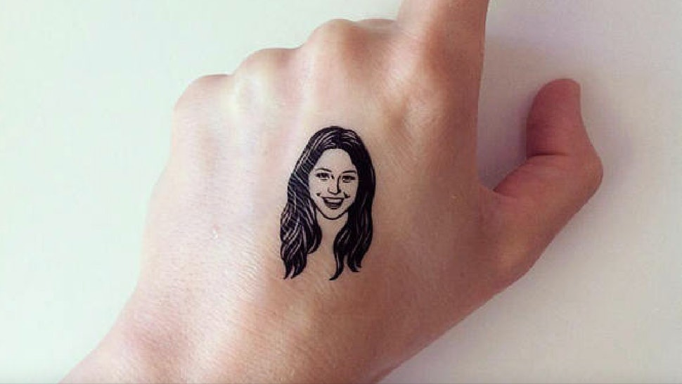 These Personalized Temporary Tattoos Of People\'s Faces On Etsy Just ...