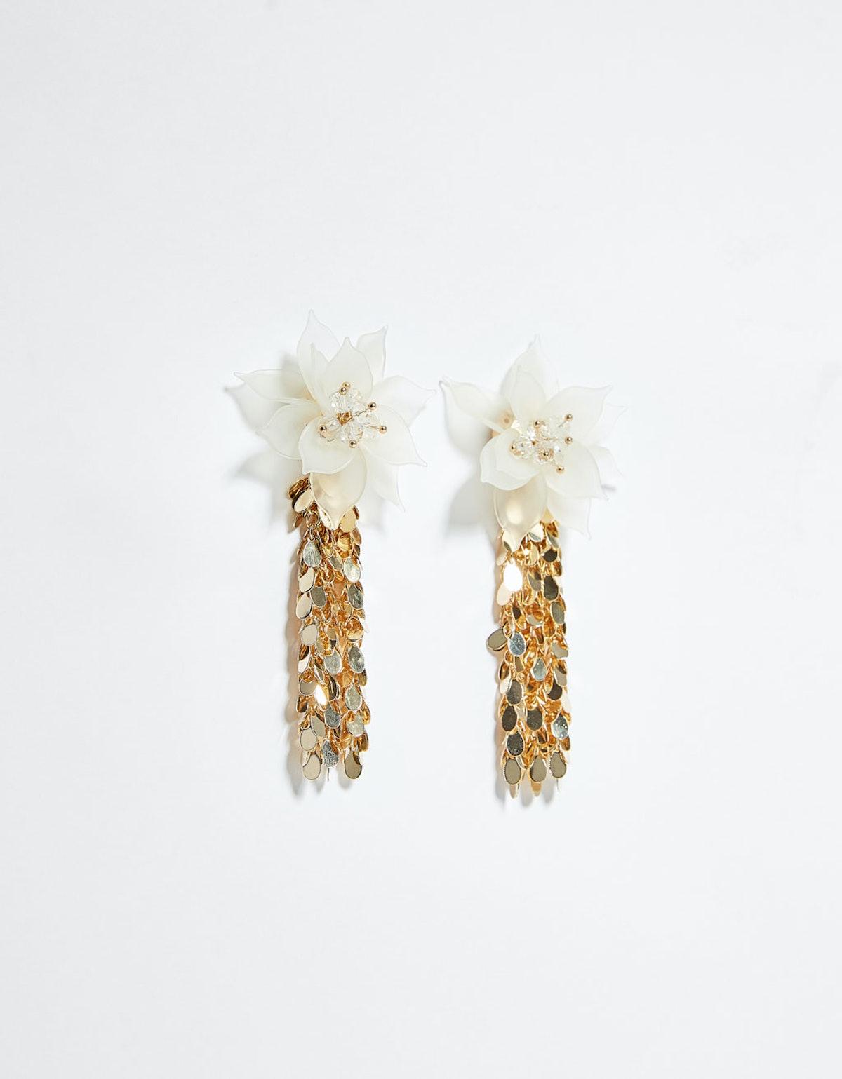 Flower chain earrings