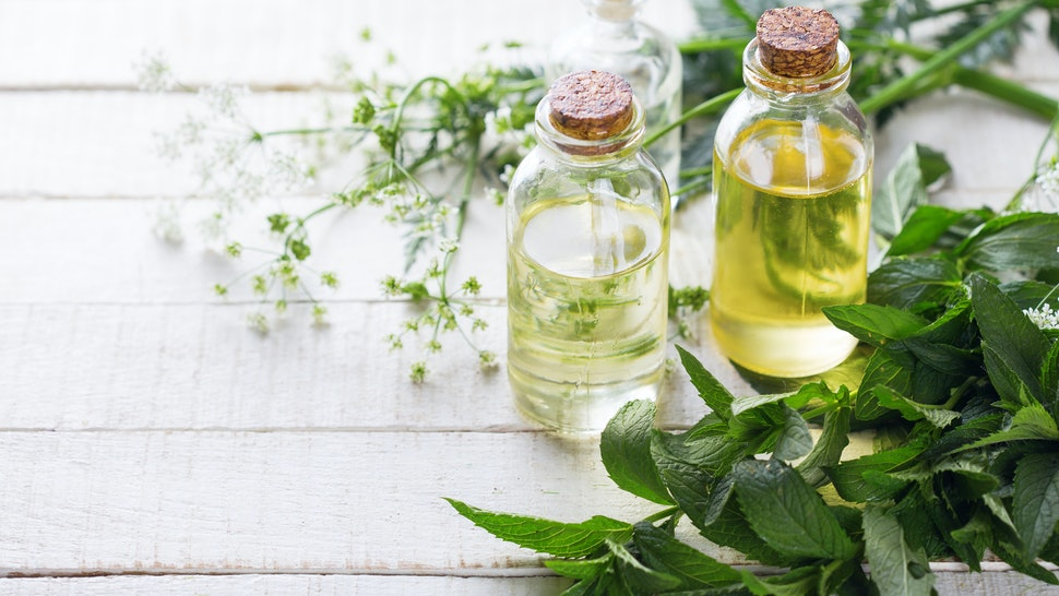 8 Essential Oils For Clearing Negative Energy That Actually Work