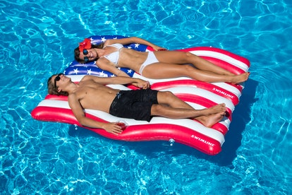 Swimline 2-Pack Inflatable Americana Flag Connector Mat Float