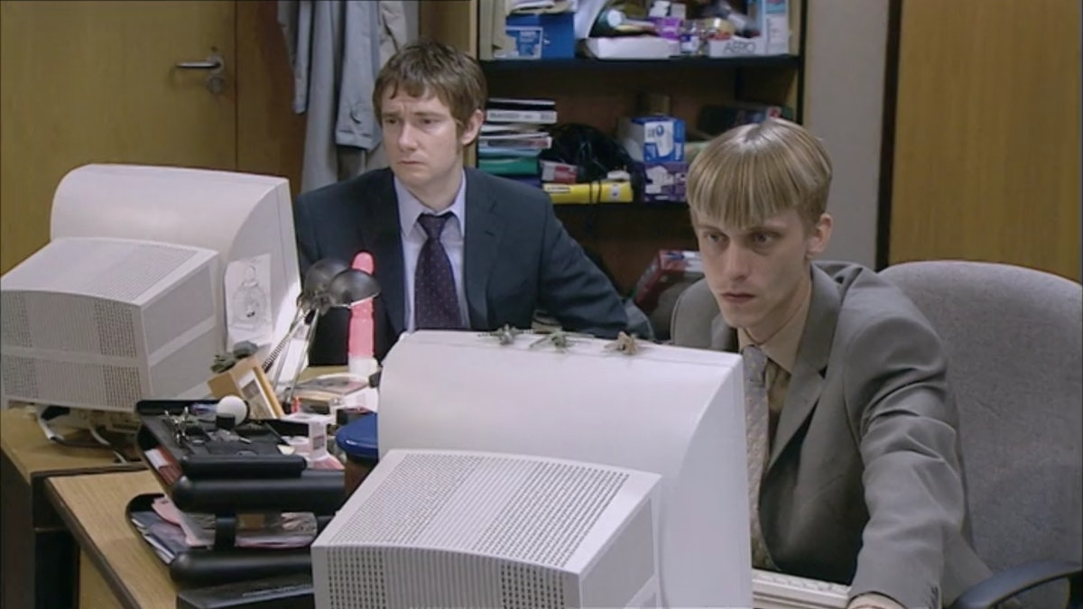 9 British Workplace Comedies That Are Completely Hilarious & Eerily Relatable