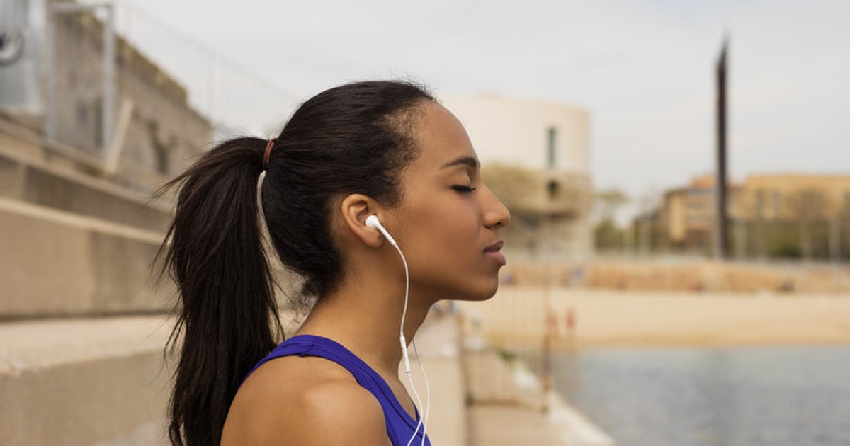 9 Nonfiction Audiobooks To Listen To While You Work Out, If You're Feeling Incre...