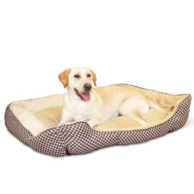 K & H Pet Products Self-Warming Lounge Sleeper Bed