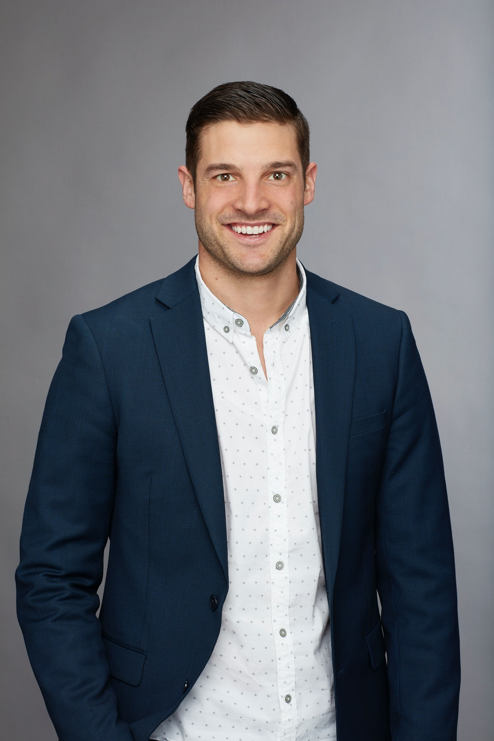 Reno Auto Sound >> Who Is Garrett On 'The 'Bachelorette'? The Contestant Might Be A Frontrunner For Becca's Heart