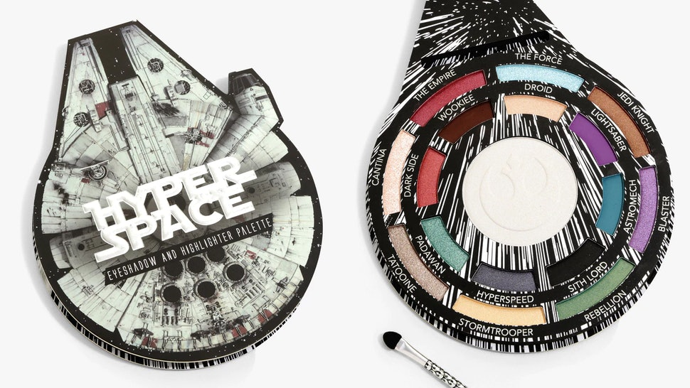 Hot Topic S Star Wars Highlighter Eyeshadow Palettes Are Perfect