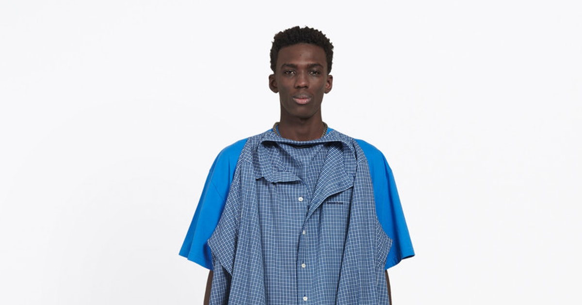 Belenciaga\'s T-shirt Shirt Cost $1,300 & Gives You Two Shirts In One