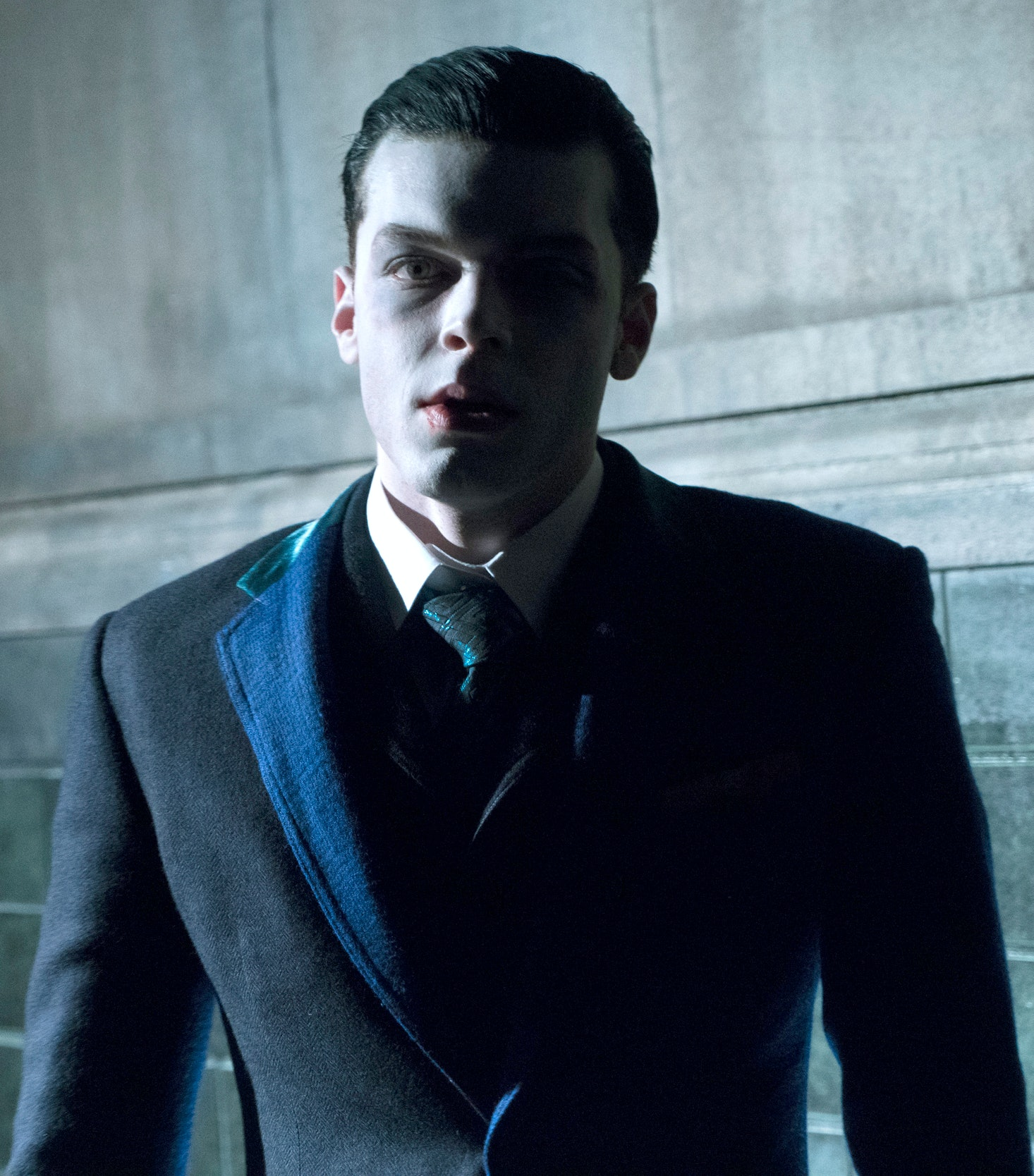 9 Clues That Jeremiah Is The Joker On 'Gotham' Point To Batman's