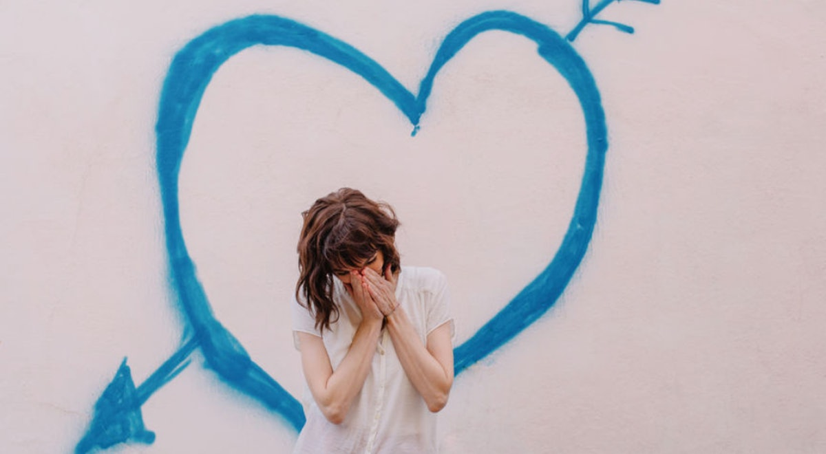 Here's What Happens When You Love Someone Who Isn't Good For You, According To Experts