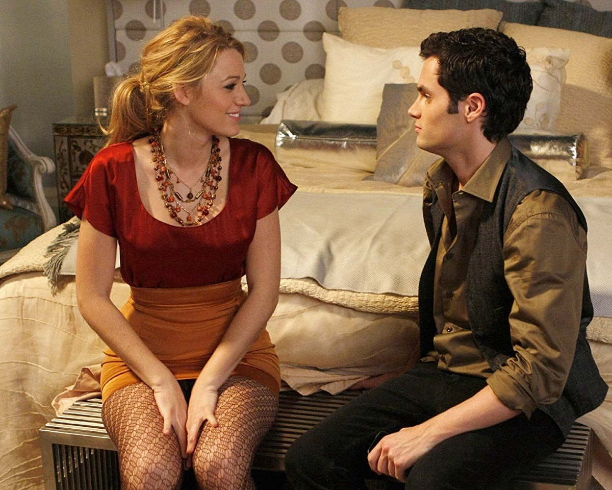 Blake Lively and Penn Badgley on the set of 'Gossip Girl'