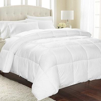 Equinox International, White Alternative Goose Down Comforter